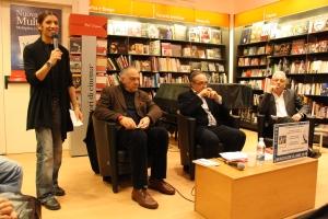 Roberta Cusimano della Feltrinelli introduce l'evento