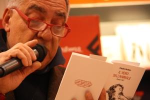 Clementi legge poesie dal libro di Claudio Gerbino
